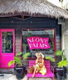 Hello and welcome to Seminyak's newest and most instafamous eatery this month @neonpalmsbali - great food and even better cocktails 💗…