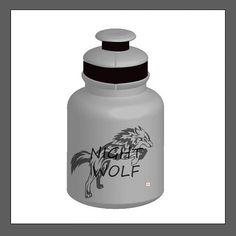 Pegando o jeito. #illustration #illustrator #arte #squeeze #wolf #lobo #grafic Wolf, Water Bottle, Drinks, Illustration, Instagram, Art, Drinking, Beverages, Wolves