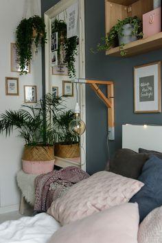 w tym pokoju dbamy o siebie - metamorfoza sypialni - mrspolkadot Teen Bedroom, Bedroom Decor, Bedrooms, Ikea Ekby, Flat Ideas, Bedroom Styles, New Room, Room Inspiration, Ladder Decor