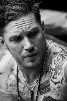 "anothersexualrevolution:  ""Tom Hardy  """