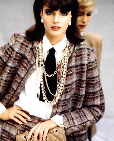 """220 mentions J'aime, 3 commentaires - History of Taste (@history_of_taste) sur Instagram : """"Chanel, 1982 #chanel #vintagechanel #1980sfashion #joanseverance #fashion1982"""""""