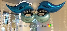 Mardi Gras Mask with String of Pearls Balloon Ideas, The Balloon, Balloon Decorations, Bouquet Delivery, Party Themes, Party Ideas, Making A Bouquet, Info Board, Mardi Gras Party