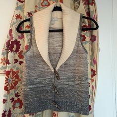 JOIE Wool-Cashmere Sweater Vest /w Toggle Buttons JOIE small ombré white-gray wool-cashmere sweater vest /w toggle buttons. Joie Sweaters