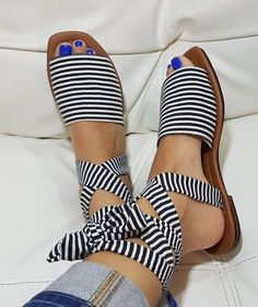 20 Special Casual Shoes To Inspire Everyone – New Shoes Styles & Design Trend Casual Style Schuhe Fab Shoes, Me Too Shoes, Women's Shoes, Casual Shoes, Shoe Boots, Cute Shoes Flats, Shoes Men, Shoes Sneakers, Cute Sandals