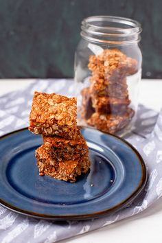 These delicious South African crunchies are vegan and can easily be made gluten-free. They have the perfect crunch and are easy to make with 8 ingredinets. Best Dessert Recipes, Fun Desserts, Mexican Food Recipes, Recipe With Golden Syrup, Crunchie Recipes, South African Recipes, Baking Tins, Vegan Treats, Biscuit Recipe