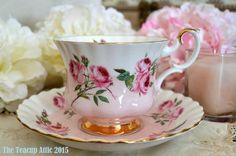 royal Albert Rosado y blanco y platillo teacup set, CA. 1960-1970,