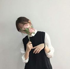 Image about girl in Ulzzang ✌ by your_nightmare 🌃 Uzzlang Girl, Girl Pose, Korean Aesthetic, Aesthetic Photo, Aesthetic Girl, Korean Ulzzang, Korean Girl, Asian Girl, Korean Style