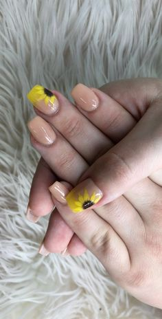 Sunflower nails with I'm the boss nude SNS coffin Sunflower nails with I'm the boss nude SNS coffin Aycrlic Nails, Cute Nails, Pretty Nails, Hair And Nails, Nail Nail, Coffin Nails, Wedding Nail Polish, Wedding Nails, Sunflower Nail Art