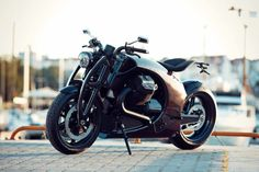Renard Motorcycles' Carbon Fiber Moto Guzzi GT Is Amazing | Man of Many