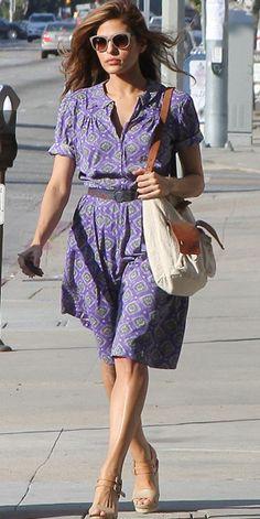 Eva Mendez in violett dress