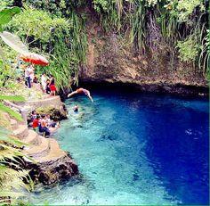Se trata del río Hinatuan y se encuentra en la isla filipina de Mindanao. Es uno de los grandes reclamos de esta zona donde las aguas cristalinas y turquesas parecen las de una playa en el Caribe.