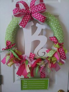 Baby Girl Wreaths for Hospital Door New Baby Wreath, Baby Door Wreaths, Hospital Door Wreaths, Baby Shower Crafts, Girl Baby Shower Decorations, Baby Crafts, Baby Decor, Diy Eid Gifts, Diy Baby Gifts