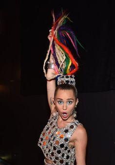Pin for Later: MTV Video Music Awards verpasst? Das waren die 31 besten Momente Miley Cyrus wie sie leibt und lebt