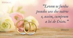 5 versículos da Bíblia para usar no seu casamento         O casamento é muito importante para Deus. Quem é casado deve lutar por seu casamento! Todo casamento passa por dificuldades mas a Bíblia ensina como superar os problemas e fortalecer o relacionamento. 1. Amor e respeito          O amor é o pilar fundamental do casamento. Amor é mais que paixão; é uma esc (...) https://www.bibliaon.com/versiculos_para_seu_casamento/shared_image/galatas_6_2_levem_os_fardos_pesados_uns_dos_outros.jpg