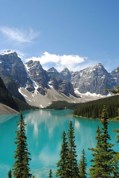theencompassingworld:    Moraine Lake Banff National Park Canada  More of our amazing world  The Best of Bushcraft and Survival - http://ift.tt/2lhc8iK
