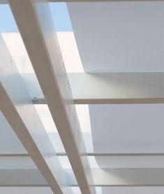 Detail of Attached pergola Classique - Unopiù Terrace Building, Color Nogal, Free Standing Pergola, Attached Pergola, Bamboo Shades, Garden In The Woods, Dark Walnut, Garden Accessories, Blinds