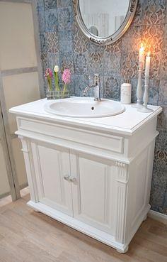 Die 16 besten Bilder auf Waschtisch Landhausstil | Country bathroom ...