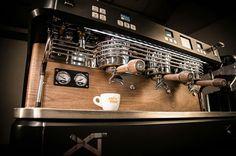 Espresso Coffee Machine, Coffee Maker, Coffee Machines, Cafe Design, Coffee Shop, Kitchen Appliances, Dog, Nice, Accessories