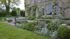 Garden Designer Justin Spink Garden near the Thames