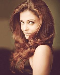 Aishwarya Rai she is beautiful Mangalore, Actress Aishwarya Rai, Aishwarya Rai Bachchan, Bollywood Actress, Beautiful Redhead, Beautiful Eyes, Most Beautiful Women, Indian Celebrities, Bollywood Celebrities