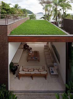 Arthur Casas - No Litotal Paulista The green roof + living room Roof Design, Exterior Design, Design Room, Design Design, Modern Design, Creative Design, Sustainable Architecture, Architecture Design, Contemporary Architecture