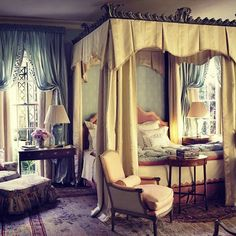 'I was walking along and this chair came flying past me, and another, and another, and I thought, man, is this gonna be a good night.' (Liam Gallagher)  ⭐  Good night.  ⭐  Bedroom by Richard Keith Langham. Don't know whether it cost $1,000,000. (See previous post). #saturdaynightsalrightforfighting   #lovernotafighter