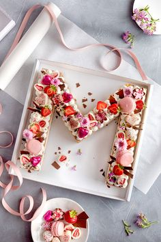 Letter Cake – simple, pretty and trendy! – – Letter Cake – simple, pretty and trendy! Seared Salmon Recipes, Pan Fried Salmon, Pan Seared Salmon, Mini Cakes, Cupcake Cakes, Cupcakes, Alphabet Cake, Cake Lettering, Best Pancake Recipe