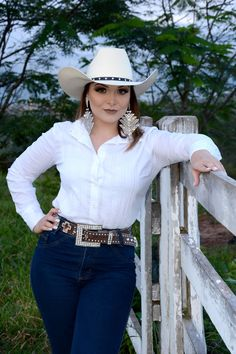 Mode Country, Hot Country Girls, Country Girls Outfits, Country Girl Style, Country Women, Sexy Cowgirl Outfits, Equestrian Outfits, Western Outfits, Western Wear