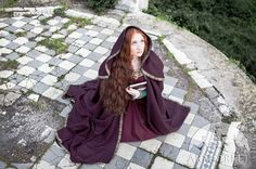 Manteau à capuchon de laine « Sansa »