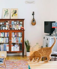 A Beautiful Mess - Cat Greenwood Home Tour | A Beautiful Mess gives us a tour of Cat Greenwood's home. #refinery29 http://www.refinery29.com/a-beautiful-mess/20