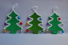 Crochet Christmas tree pattern and tutorial: Amjaylou designed crochet Christmas trees