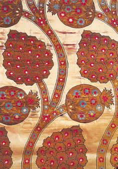 ottoman caftan silk with pomegranate design • informative article about 'caftans of the sultans' Smithsonian exhibition