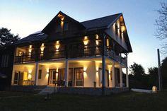 Mica Elvetie Places To Go, Relax, Paris, Mansions, House Styles, Home Decor, Montmartre Paris, Decoration Home, Manor Houses