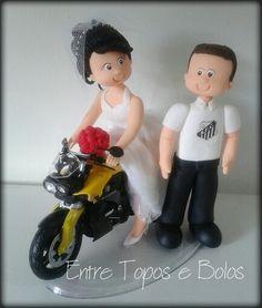 Cake topper.   www.facebook.com / entretoposebolos