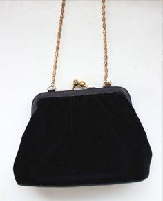 Vintage La Regale EVENING PURSE BLACK VELVET Framed SHOULDER BAG Hand Bag GOLD  #LaRegale #EveningBag #SpecialOccasion