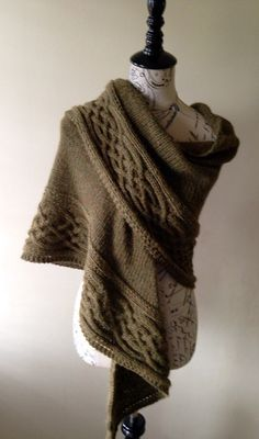 Celtic cabled shawl, full size shawl, wool and alpaca shawl, cape poncho, winter fall wrap, Claire Fraser, Outlander wear, outlander knits