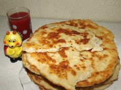 Turte cu telemea Pancakes, Pizza, Cheese, Cooking, Breakfast, Recipes, Food, Kitchen, Morning Coffee