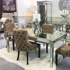 Gold Dining Table Decorations Decor Room P Base – bestskiinfo gold dining room decorating ideas - Dining Room Decor Mirror Dining Table, Dining Room Table Decor, Dining Table Design, Dining Room Walls, Modern Dining Table, Dining Chairs, Room Decor, Grey Dinning Room, Mirrored Table