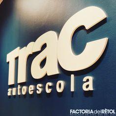 #retol #retolacio #vinil #lletrescorporees #trac #autoescolatrac #santjoandevilatorrada #factoria #lafactoria #factoriadelretol #wearefactoria #fdr Symbols, Letters, Vinyls, Icons, Fonts, Letter