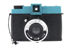 Pay homage to the cult 60's camera, the Diana F+, queen of medium format photography hailed for its dramatically dreamy, lo-fi images on 120 film.