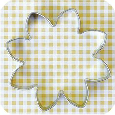 Daisy cookie cutter would work well for comic book shapes