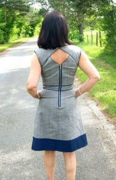 interesting back detail for dress: Belladone par Tokad - thread