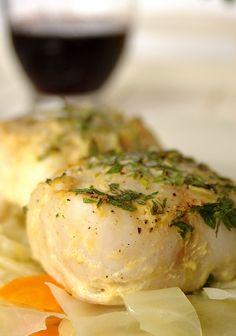 Cinco Quartos de Laranja: Medalhões de pescada no forno com mostarda e salsa