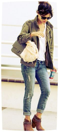 Rachel Bilson  Love the distressed jeans. Would love a pair of boyfriend jeans for summer.