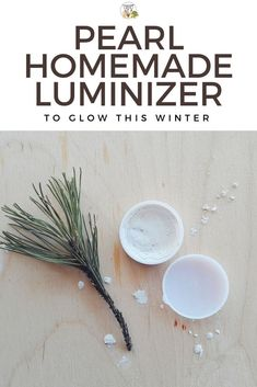 Want to save money and make your own luminizer? This is an easy recipe, great for beginners! With pearl mica, it adds a lovely shimmery glow to your skin! You only need 5 ingredients to make it! It makes a great Christmas stocking filler too and it's suitable for vegans. #luminizer #highlighter #vegan #diybeauty #diyskincare #beautycrafts #veganbeauty #homemadebeauty #homemadeskincare #naturalskincare #naturalbeauty #veganskincare