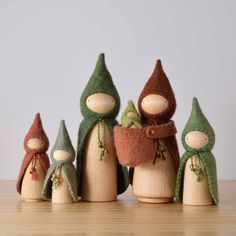 Forest Gnome Sets - Apartment Balcony Decorating dolls how to make Wood Peg Dolls, Clothespin Dolls, Felt Crafts, Diy And Crafts, Crafts For Kids, Waldorf Crafts, Diy Waldorf Toys, Craft Projects, Sewing Projects