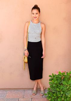 Jamie-Chung-Black-Pencil-Skirt-Crop-Top-Flat-Sandals-Slides-Jamie-Chung- summer-work-outfits-via-www – closetful of clothes Jamie Chung, Festival Mode, Festival Fashion, Cool Street Fashion, Look Fashion, Milan Fashion, Womens Fashion, Summer Outfits, Cute Outfits