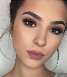 55 Simple Makeup Ideas for Brown Eyes That You Have To Try – Beauty Make up Styles Wedding Makeup For Brown Eyes, Makeup Looks For Brown Eyes, Wedding Makeup Tips, Bride Makeup, Wedding Hair And Makeup, Simple Makeup For Wedding, Smokey Eye For Brown Eyes, Simple Smokey Eye, Make Up Brown Eyes