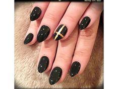 Demi Lovato nail art