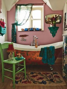 Bohemian bathroom decor i love this darling bathroom old fashioned tub pink walls window and rustic . Bohemian Bathroom, Bohemian Decor, Bohemian Style, Hippie Chic Decor, Bathroom Vintage, Bohemian Interior, Decoration Inspiration, Bathroom Inspiration, Bathroom Ideas